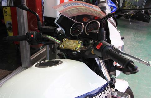ZRX1200 DAEG用 BEET製 レーシングフォワードハンドル